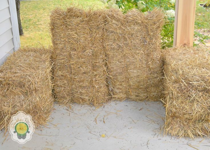 Rustic Hay Bale Lounger - Dandelion Patina