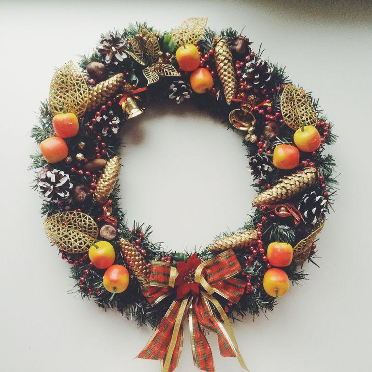 Сказочный праздник ждет каждого из нас. Обожаю венки, они воплощают в себе истинно праздничное настроение, волшебство сказки и чудес. А это моя новая рождественская работа.  ❄️ #новыйгод #рождество #своимируками  #подарки #handmade #christmas handmade. Новогодний венок - новогодний венок,рождество,подарок,украшение дома,венок на дверь. Winter wonderland Christmas wreath #Christmas #ChristmasWreath