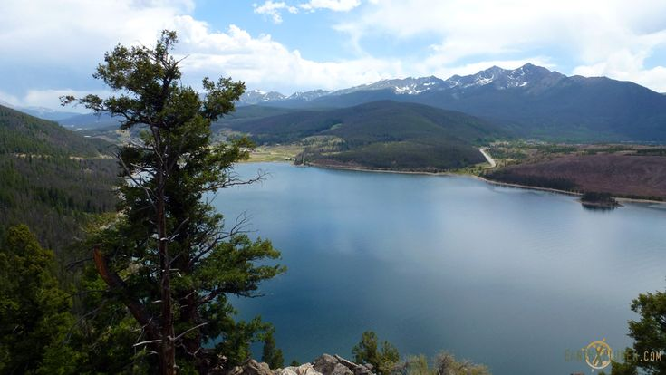 The Beautiful Scenery of the ColoradoRockies - blog - earthXplorer - travel and social media -