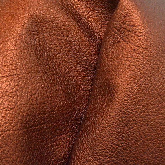 This listing is for (1) Fashion Cow hide pre-cut: Style of Leather: FashionCow Color: Metallic Burnished Copper Dimensions:4 x 6 Thickness: 2-3 oz Texture: Grainy Temper:Semi-Soft This piece is perfect for jewelry, moccasins, book & album covers & more! --------------------- ★ ★