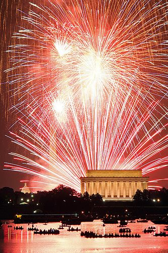 Fireworks on the National Mall. I sat under these last 4th of July. Rained down on by burnt debris. Amazing.