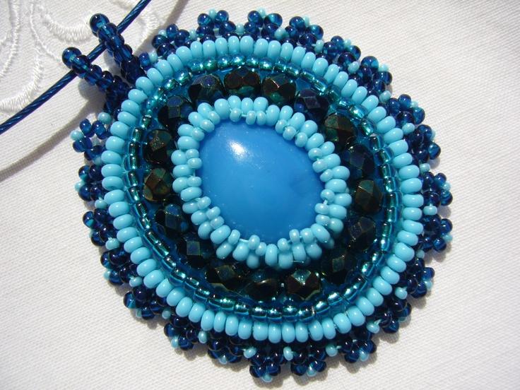 kicsi kék medál