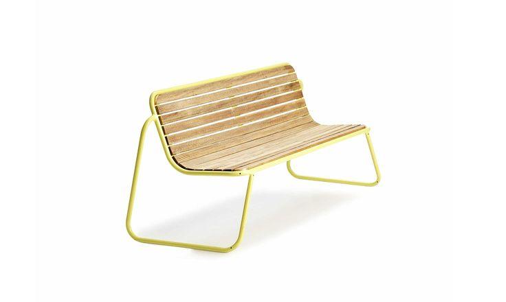 FUNC er en lett og komfortable benk som enkelt kan plasseres, nyte,flyttes og stables. Benken passer godt innendørs eller inn i miljøer som eristadig endring. Ståldetaljer er varmforzinket (901) og dimensjonert for varig bruk. Velgmellom nesten 200 forskjellige RAL-farger ved pulverlakkering (900).Alle skruer og beslag leveres i syrefast eller rustfritt stål. Produkter med tredetaljer leveres …