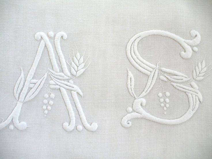 Articles vendus  Monogrammes, dentelles ... - Passion de Blanc - Broderie ancienne - Antique  Vintage French linen