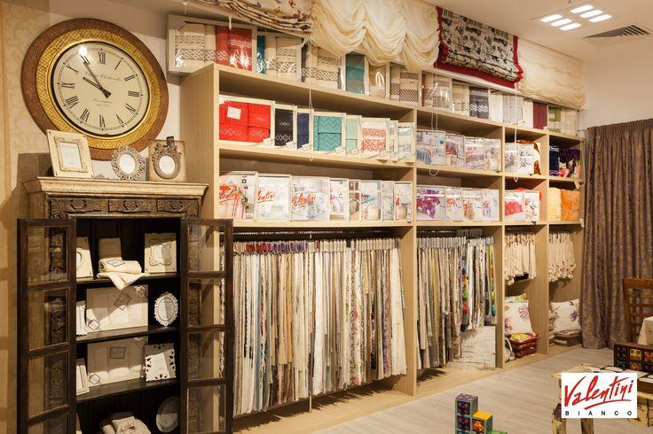 Viziteaza magazinul Valentini Bianco din Mega Mall, unde te asteptam cu o gama larga de produse textile pentru casa. De la perdele si draperii, la masuratori la domiciliu, la noi vei primi consilierea de care ai nevoie pentru decorarea locuintei.