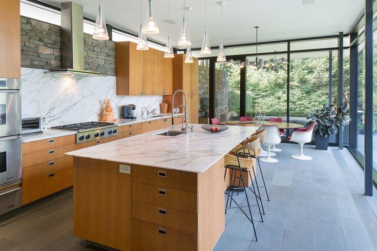 Modern Kitchen with Dekton-Ultra Compact Surface Countertop in Kairos
