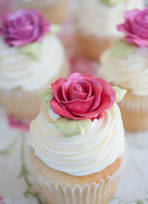 Sugar rose cupcakes from Bobbette & Belle