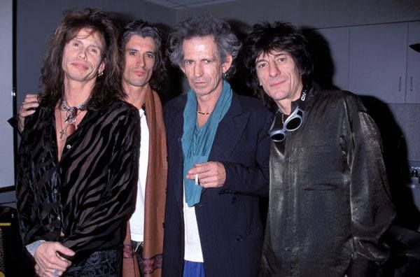 Legends hanging out with legends: Steven Tyler with Joe Perry (Aerosmith), Keith Richards and Ron Wood (Rolling Stones)