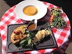 Formule lunch livraison restaurant gratuite  Salade de haricots verts au vinaigre de framboise ,Poulet fermier rôti des Landes à l'estragon linguine, crème caramel à la fleur d'oranger et bien ......sur tout est maison chez nous !!  couverts et  pain