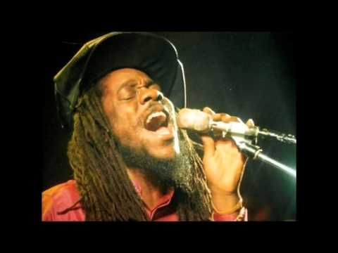 Dennis Brown - Right Fight (Extended Version) - YouTube