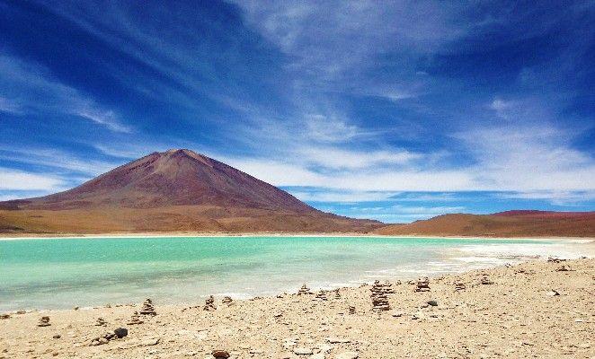 La ruta entre San Pedro de Atacama y el Salar de Uyuni esconde muchos atractivos turísticos, maravillas que te harán disfrutar el camino hasta el salar.