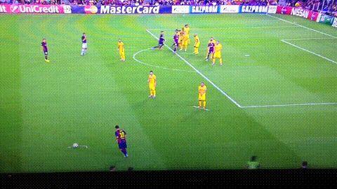 Barcelona 1-0 APOEL: Gerard Piqué goal