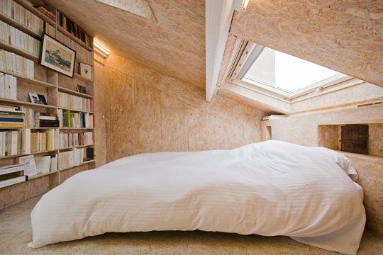 Une chambre en sous pente lumineuse avec large ouverture for Chambre 9m2 sous comble