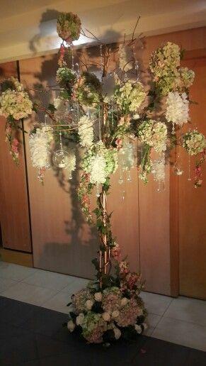 Arbol de cristal y flores
