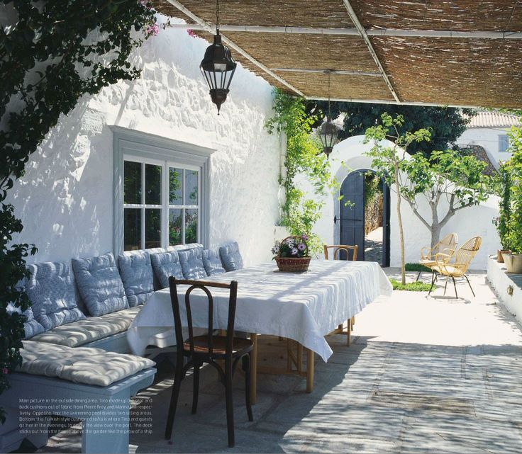 Outdoor inspiration | Mediterranean | patio | love the door