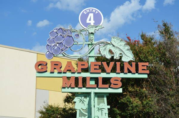 A Mall of Outlet Stores--Grapevine Mills Mall, TX; also been to the Franklin Mills Mall, Philly.^ Was there one in Seattle, WA ??^