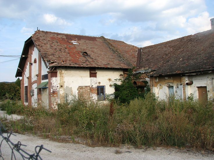 volt magtár épülete (Páty) http://www.turabazis.hu/latnivalok_ismerteto_4353 #latnivalo #paty #turabazis #hungary #magyarorszag #travel #tura #turista #kirandulas