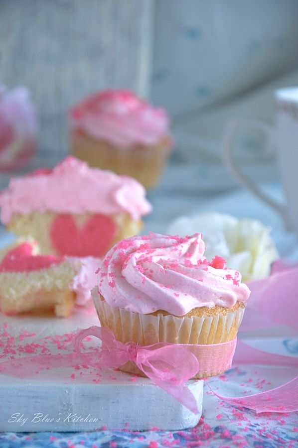 Sheery Dream Cakes: ~ Vanilla Heart Cupcakes...