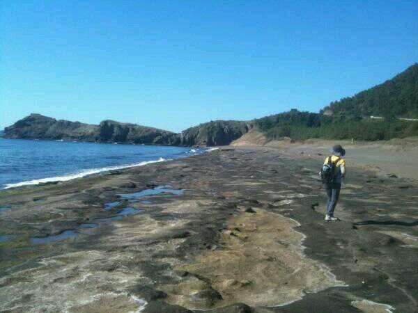 올레10코스 초입 화순해변입니다. 침식작용에 의해 드러난 단층이 멋드러집니다. #트위터 @olle_fish님