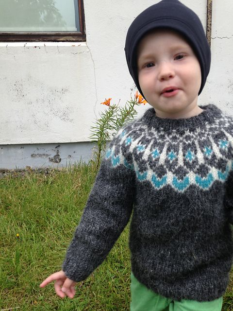 740 best Knits for kids images on Pinterest   Pattern, Stricken ...