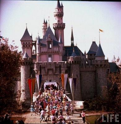 Best Disney Vintage Images On Pinterest History Disneyland - 18 amazing rare colour photos disneyland 1955