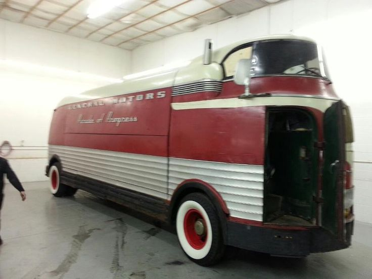 67 best vehicle 1941 gm futurliner images on pinterest automobile autos and cars. Black Bedroom Furniture Sets. Home Design Ideas