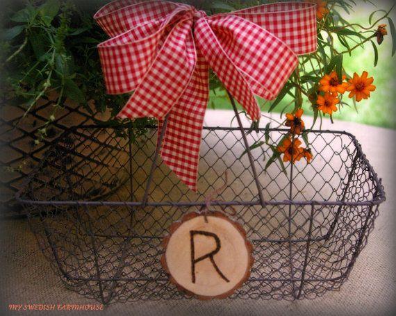 maybeeeee: Basket Card, Chicken Wire, Program Basket, Wedding Program, Wedding Card, Card Boxes