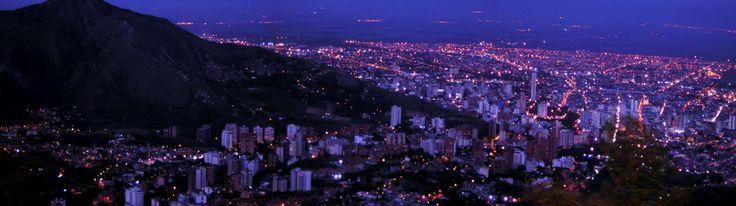 Vista panorámica de Cali desde el cerro de Cristo Rey.