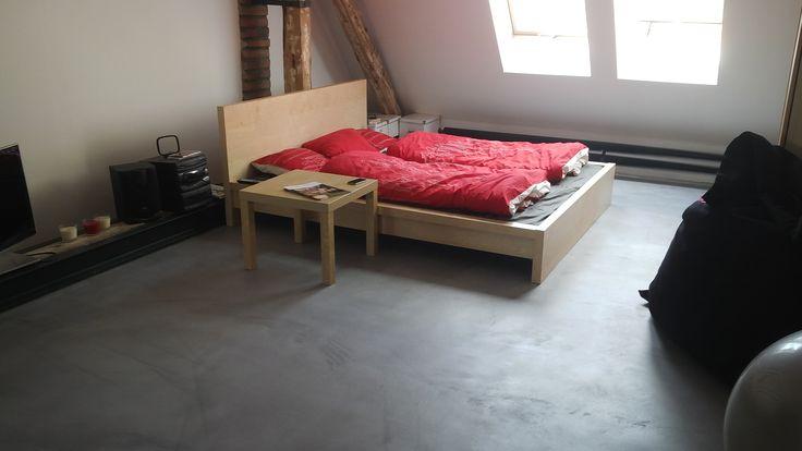 Dekorativní podlaha z cementové stěrky MicroBond.