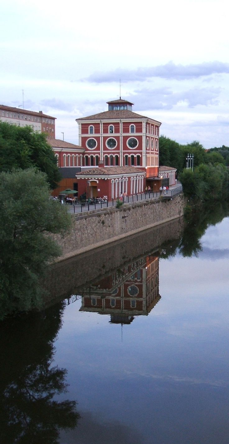 Logroño, Spain  El Ebro pasando por Logroño