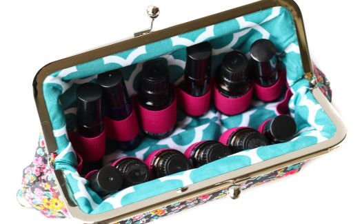 Essential oil carrying case- LOVE THESE!