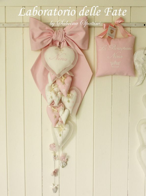 Gorgeous bow and hearts