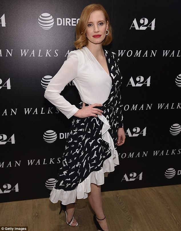 Jessica Chastain Brings The Glamour At Woman Walks Ahead Screening Dresses Jessica Chastain Glamour