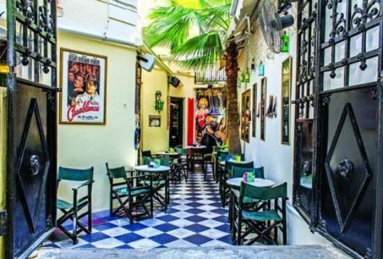 Ippopotamos bar  Delfon, Athina 106 80