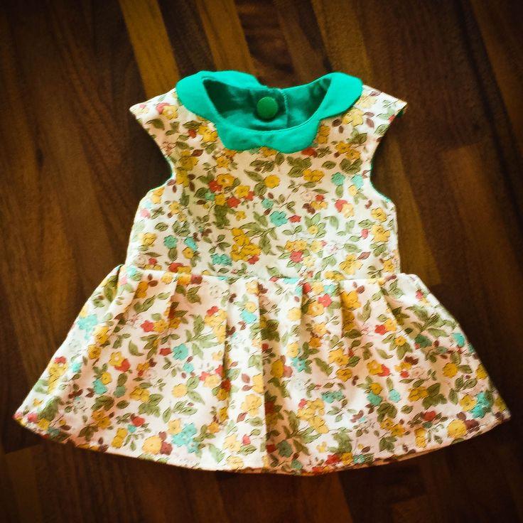 Bonjour ! Aujourd'hui je vous propose de fabriquer des vêtements de poupon. Pour commencer, voici un patron de robe, je l'ai dessiné et conçu, alors j'espère que vous en prendrez soin et que vous me montrerez vos créations! Précision: ce patron est adéquat pour un poupon type nénuco famosa, d'environ 35 cm. patronen PDF à
