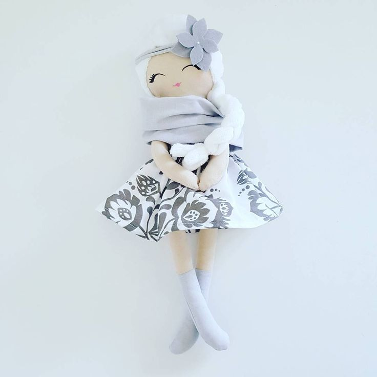 Cloth doll, rag doll, fabric doll. Removable skirt, scarf and headband/ lala szmaciana z pluszowymi włoskami