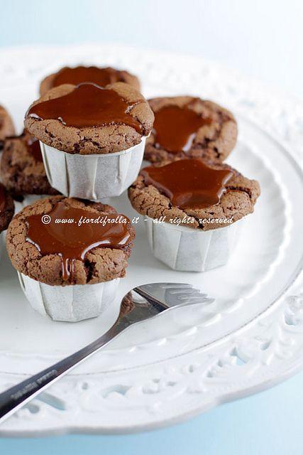 Tortini di cioccolato con salsa al caramello e burro salato 1889 Fattorie Fiandino by fiordifrolla, via Flickr