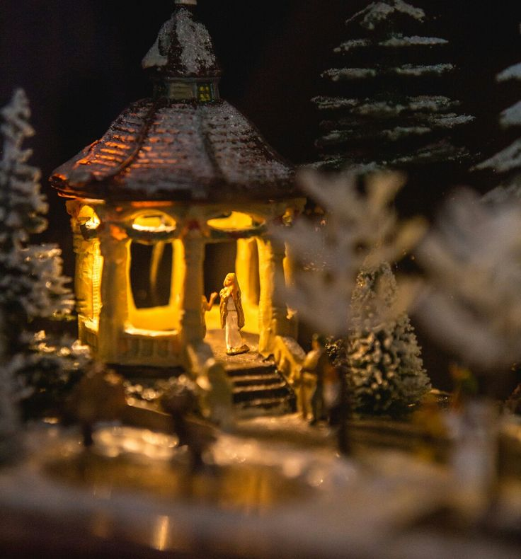 Something magical about a gazebo lit up with fairy lights #xmas #xmasdecoration #christmas #vintage #orion #radio turned into #diorama #sneakpeek #gazebo #karácsony #ajándék #ötlet #gift #diy #recycling #budapest