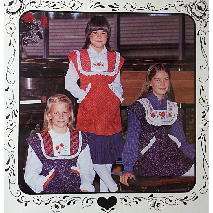 Princess Apron Pattern Vintage Girls Sizes 2-14 S-XL Bristles and Needles c367