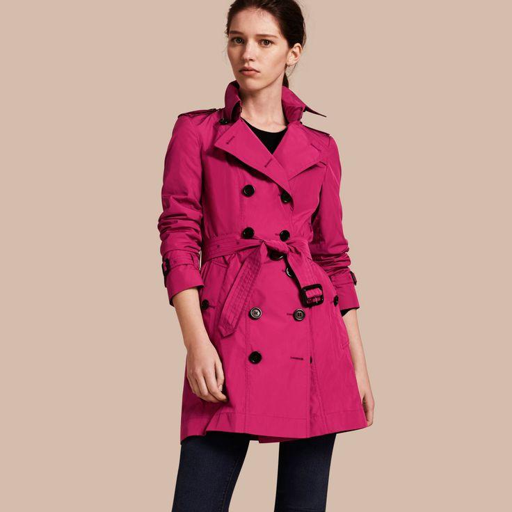 Trench coat de longitud media en tejido técnico Magenta Ciruela Damascena | Burberry