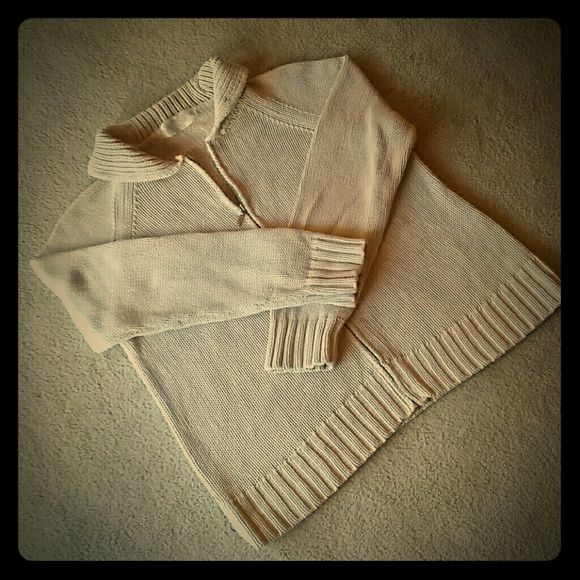 Casual Corner Annex Petite Cream Sweater Casual Corner Annex petite collared zip up sweater. EUC. Very warm. Sweaters