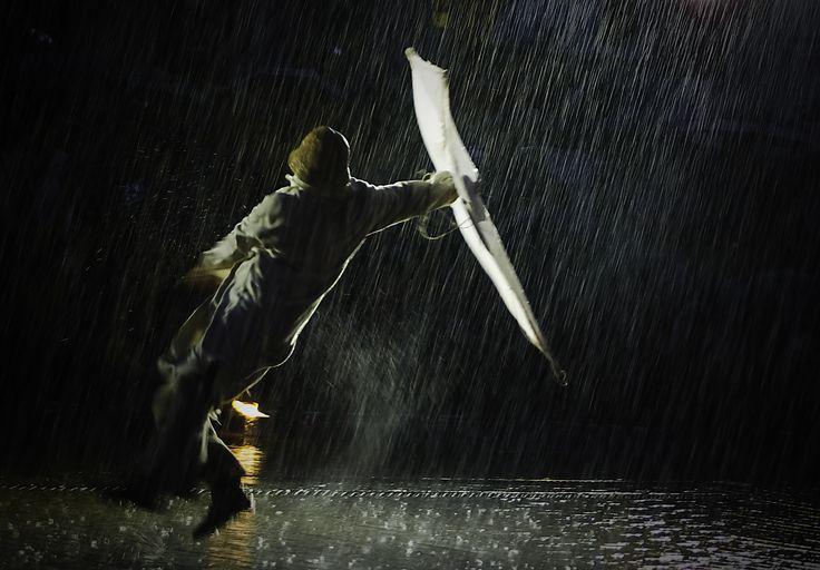 Taniec w deszczu - Krakw Teatry Uliczne