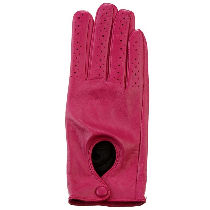 7-Gant. Très sport chic, ce gant de conduite en cuir perforé rose. Manque plus que la belle voiture !  #Bazarchic