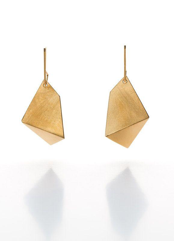 geometric jewelry / single fold earrings, large in gold
