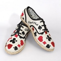 Clubs and Spades Ayakkabı  #tarz #kırmızı #tasarım #moda #tasarımcı #design #style #fashion #red #black #white #shoes #different #unique #heart #diamonds