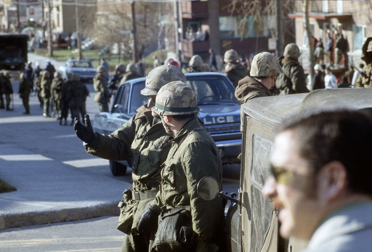 Soldiers in the streets of Montreal - October crisis - québécois terrorists