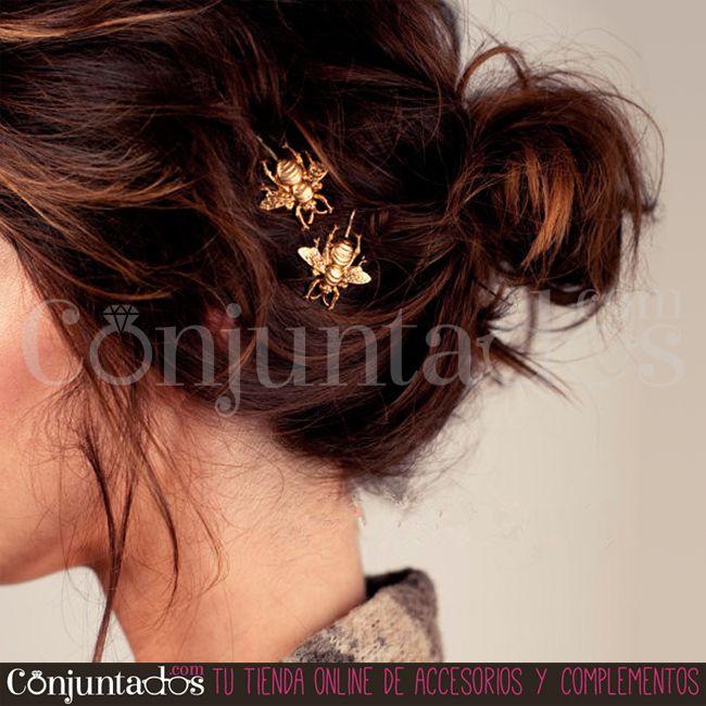 Con nuestras #horquillas doradas #Flies cambia tu peinado del modo más sencillo. Lleva este par de divertidas horquillas siempre en el bolso ¡por si las #moscas! ★ 6,95 € en http://www.conjuntados.com/es/horquillas-doradas-flies-pack-de-2-unidades.html ★ #novedades #paratupelo #gold #conjuntados #conjuntada #accesorios #complementos #moda #fashion #fashionadicct #picoftheday #outfit #estilo #style #GustosParaTodas #ParaTodosLosGustos