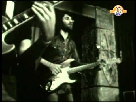 ▶ John Kongos - He's gonna step on you again ( Rare Original Footage French TV 1971 ) - YouTube
