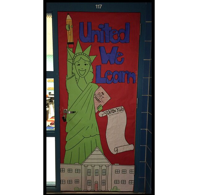 "Patriotic classroom door! Let the students sign the ""Declaration""!"