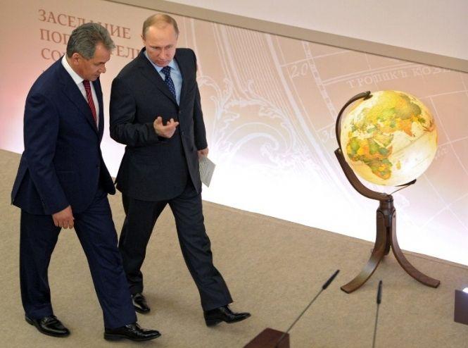 Путин ведет в Украине гибридную войну